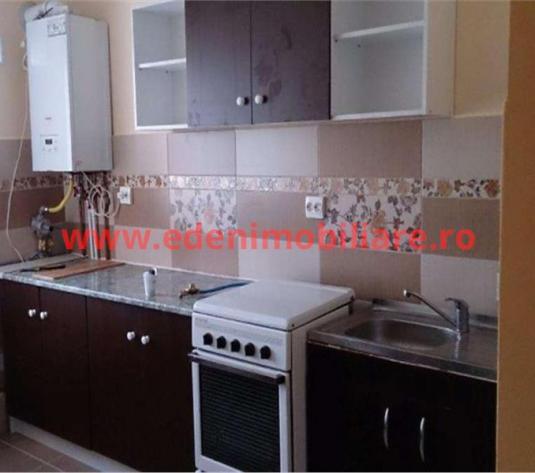 Apartament 3 camere de inchiriat in Cluj, zona Plopilor, 550 eur