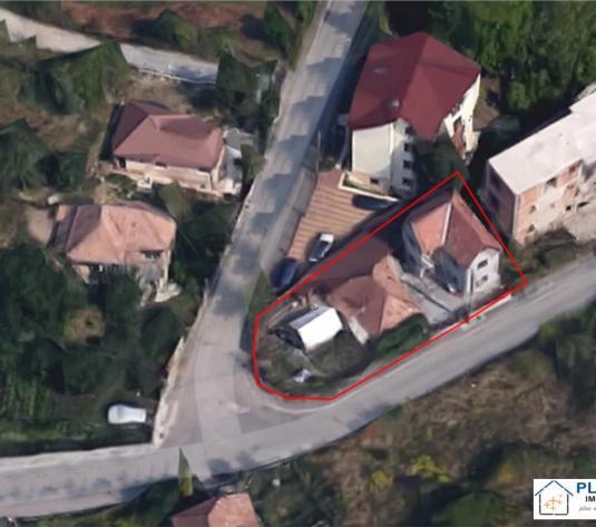 Doua case pe teren de 440 mp, Andrei Muresanu, pt. extindere