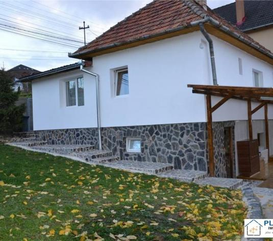 Casa individuala cu teren 600 mp, Andrei Muresanu, strada circulata
