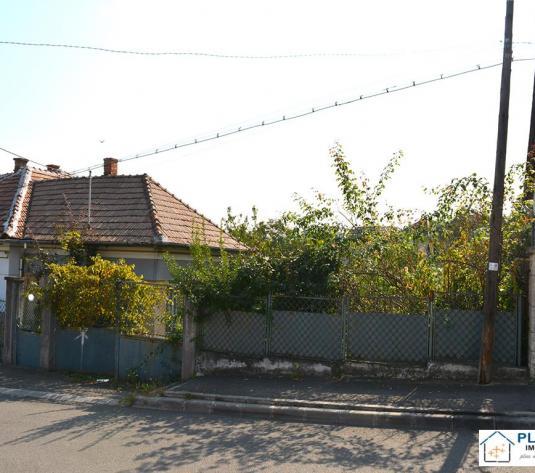 Teren 400 mp Andrei Muresanu cu autorizatie pentru doua apartamente