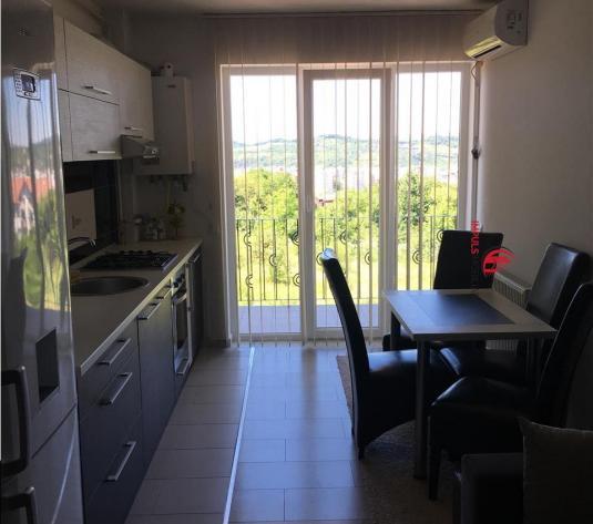 Apartement 3 camere Edgar Quinet