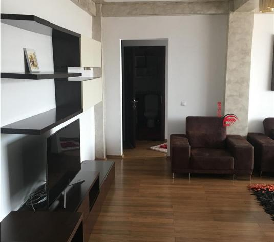 Apartament  2 camere Zona Farmec
