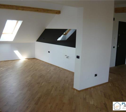 Apartament 3 camere in POD, ultrafinisat, nemobilat, cu panorama