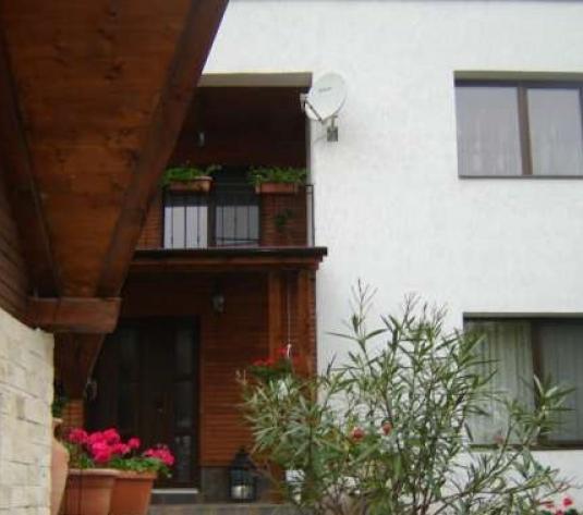 Casa 3 camere, cartierul Andrei Muresanu