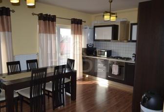 Vanzare apartament 5 camere, garaj, predare la cheie, Zorilor