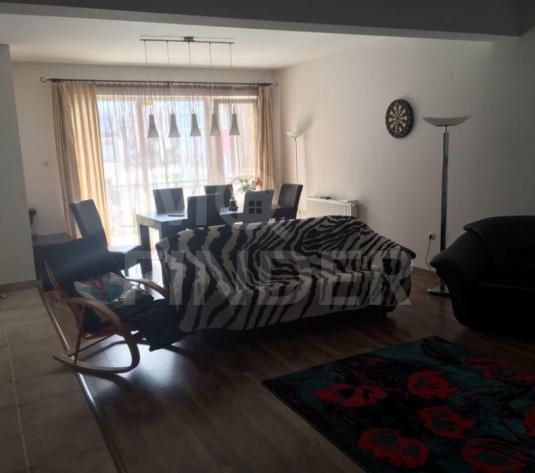 Vanzare apartament 3 camere zona Grand Hotel Italia