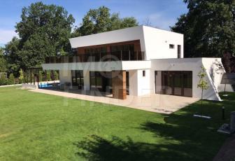 Vanzare casa individuala, lux, piscina, zona Coloane Faget