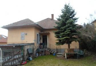 Apartament 4 camere la casa