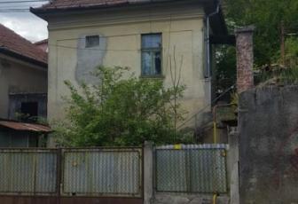 Casa cu 2 camere cart. Gruia