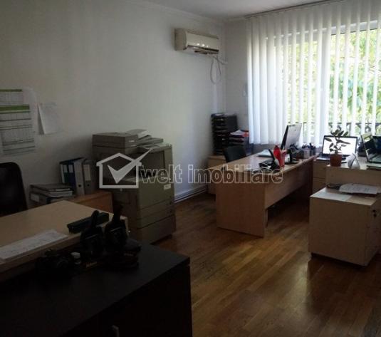 Vanzare apartament 3 camere, A Muresanu, super finisat, curte, parcare