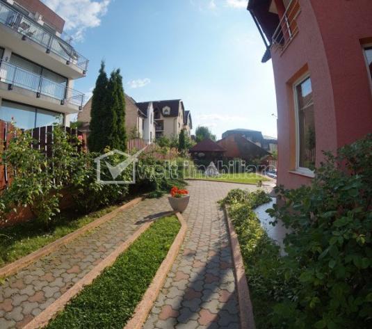 Casa individuala, 5 camere, 586mp teren, curte frumos amenajata, zona Europa!