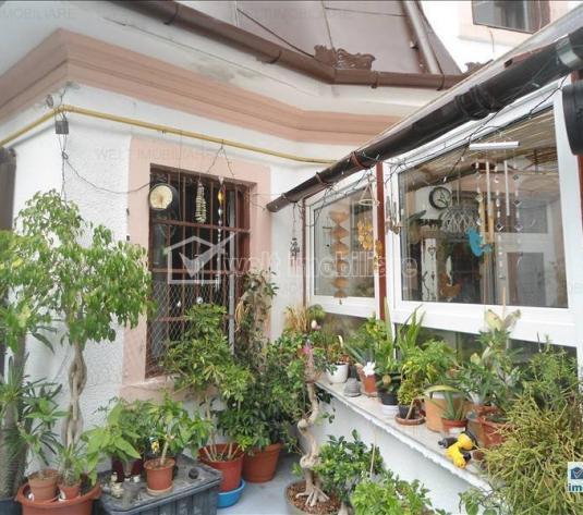 Casa individuala, 5 camere, 220mp utili, 530mp teren, zona semicentrala!
