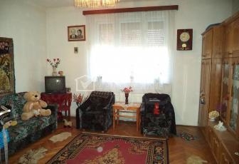 Casa individuala, 2 camere, 45mp utili, 180mp teren, zona Semicentrala!