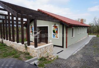 Vanzare casa finisata modern, in sat Gheorgheni, la 15 minute de Cipariu