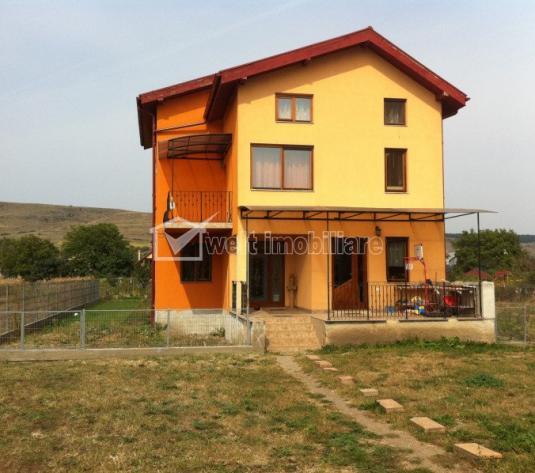 Vanzare casa individuala 280 mp utili, 870 mp teren, zona exclusiv de case