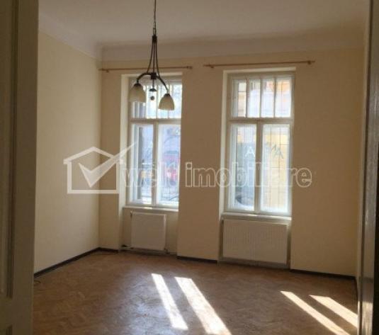 Vanzare apartament 120mp, 4 incaperi, parter in imobil interbelic, zona Primarie