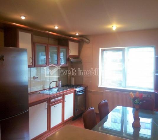 Apartament 3 camere, decomandat, semicentral, complet utilat si mobilat