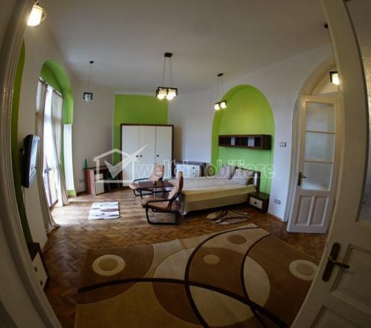 Apartament la casa, prima inchiriere, 3 camere, curte amenajata, zona Centrala!