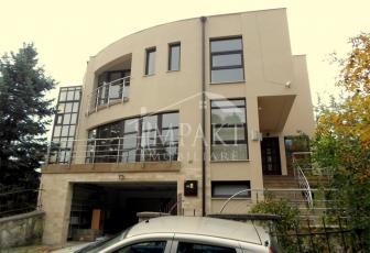 Casa de inchiriat 9 camere  in Cluj Napoca -  Andrei Muresanu