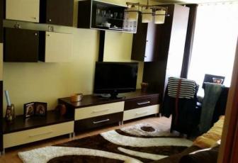 Apartament 3 camere, etaj intermediar, cartierul Gruia