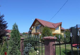 Casa Chinteni, 10 minute de oras
