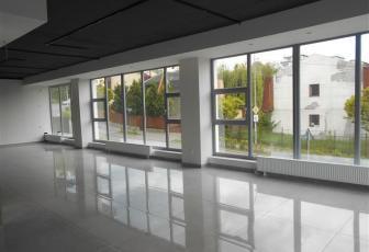 Spatiu ideal birouri, show-room sau clinica
