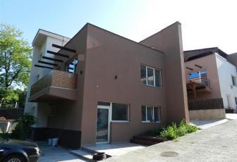 Vanzare vila deosebita intr-un ansamblu de case noi