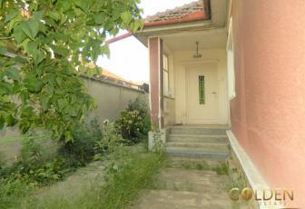 Vand casa cu teren 250 mp, zona Gradiste, constructie caramida (ID: 1056)
