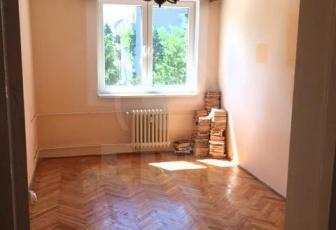Apartament de vanzare 3 camere  , 63 mp, decomandat, etaj 3/4 in Gheorgheni, Gheorgheni