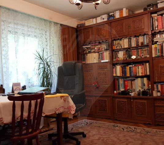 Pe Titulescu (Pata) 3 camere,  84mp, plus logie de 8mp