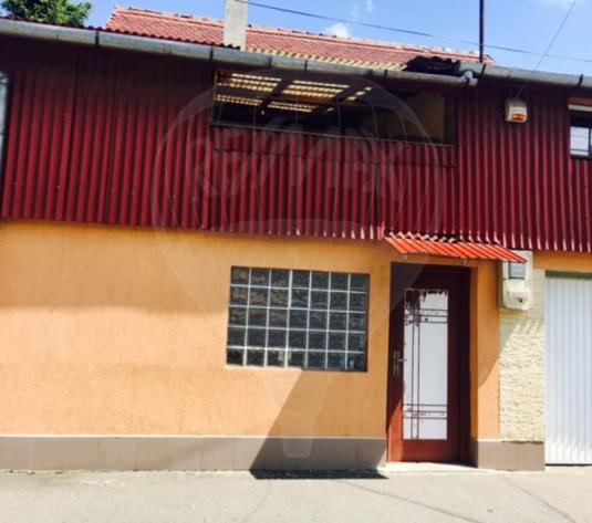 Casă / Vilă cu 4 camere în zona Gheorgheni