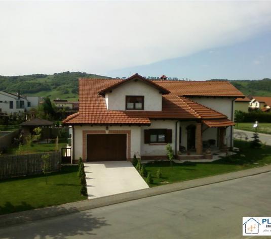 Casa stil rustic 260 mp, 680 teren, cartier privat cu parc, nemobilata