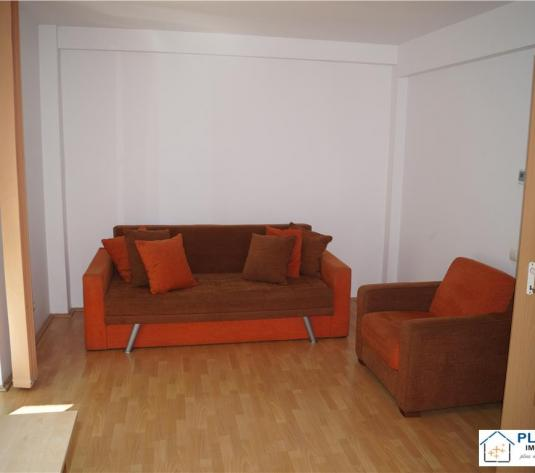 Apartament 1 camera, Plopilor, decomandat, etaj intermediar