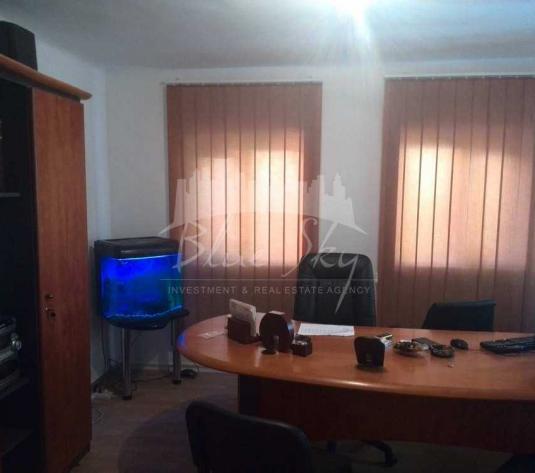 Casa D+1,8 camere,170mp,zona Centru,nemobilata. in Constanta - Zona Centru