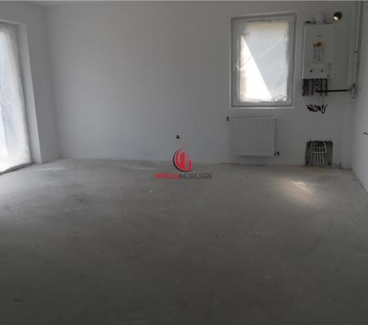 Apartament 3 Camere Etaj Intermediar Zona Polus