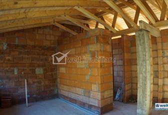 Vanzare apartament 3 camere decomandat la mansarda in Comuna Baciu, comision 0