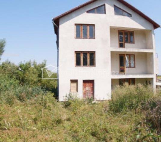 De vanzare casa individuala, 10 camere, 1500mp teren, zona Calea Turzii!