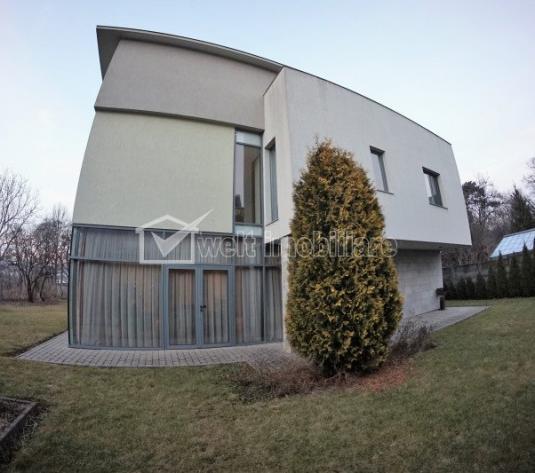 Casa exclusivista, zona centrala, 182 mp util, 300 mp teren, terasa, panorama