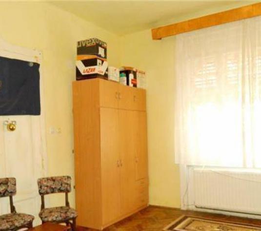 Apartament de vânzare în bloc de apartamente, Zona Parneava, Arad, 180 mp