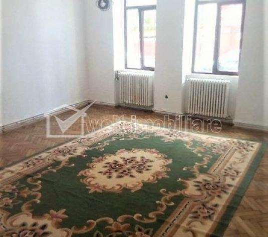 Inchiriere apartament 2 camere decomandate pt activitatea unei firme, zona Horea