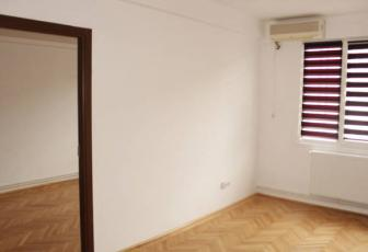 Apartament 3 camere semidecomandat Horea