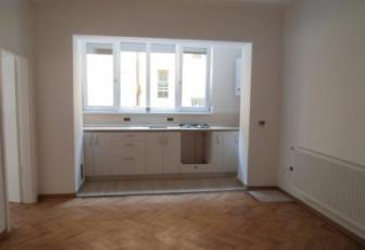 Apartament 4 camere zona str. Paris
