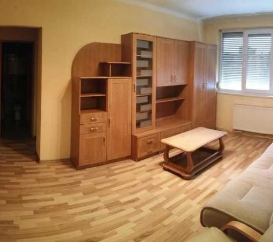 Inchiriere apartament 3 camere Central zona Ambulantei