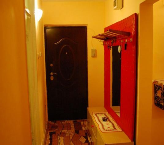 Apartament 3 camere, Zona Boul Rosu