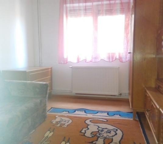 Apartament de închiriat cu centrală termică