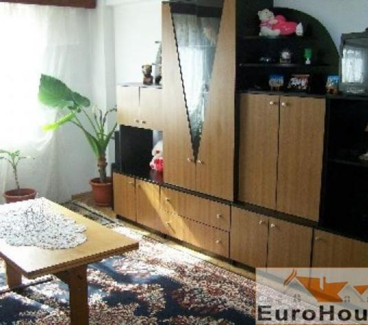 Apartament de vanzare 3 camere decomandat, Cetate - imagine 1