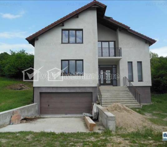 Casa de vanzare, 2850 mp in Feleacu