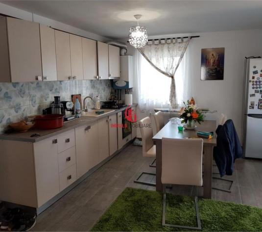 Apartament 4 Camere zona Polus