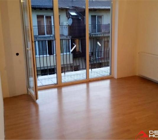 Apartament 1 camera, Floresti, 40 mp, balcon 6.8 mp, etaj intermediar