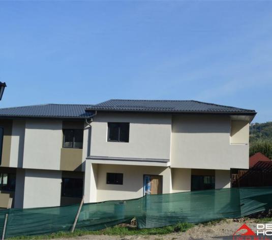 Casa tip duplex Manastur, 110 mp utili, curte 180 mp, garaj la demisol